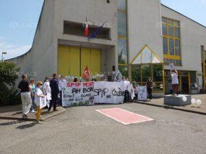 les-agents-des-services-penitentiaires-d-insertion-et-de-probation-devant-la-maison-d-arret-de-l-elsau-a-strasbourg-photo-l-alsace-1464355611